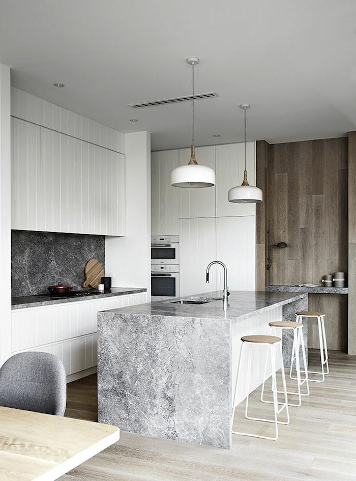 küchendesign wandpaneele pendelleuchten kücheninsel
