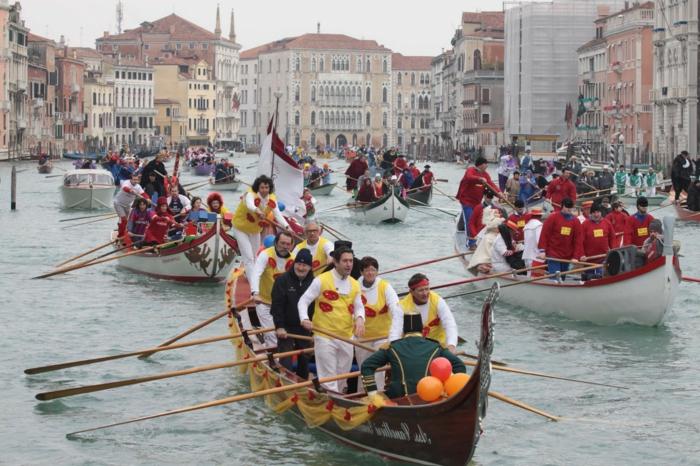 karneval in venedig faschingskostüm karnevalkostüme boote karnevalzug