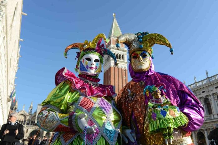 karneval in venedig kostüme fasching clown san marco platz