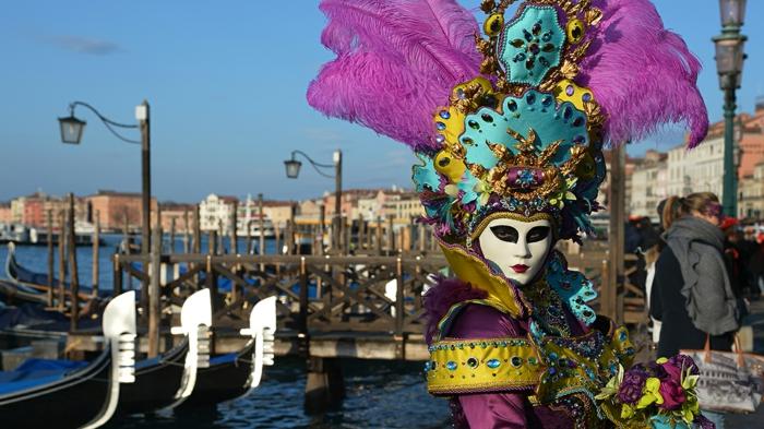 karneval in venedig kostüme fasching ruderboote gondeln