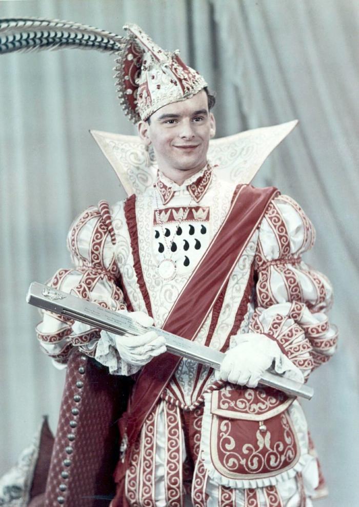 karneval kostüme karnevalskostüme logo koeln klowns narren kostüme karneval prinz vom karneval 1952