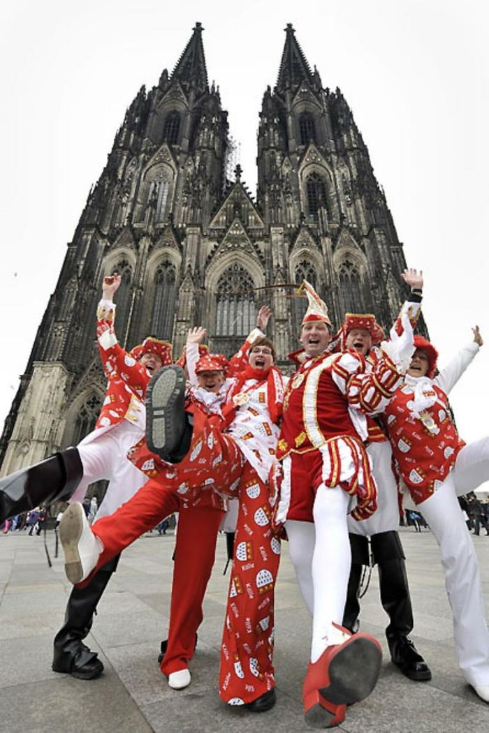 karneval kostüme karnevalskostüme logo koeln klowns narren kostüme karneval umzug am dom