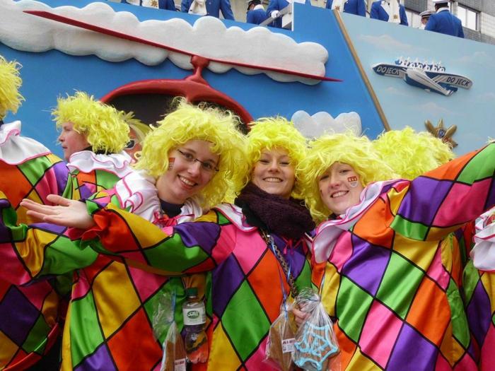 karneval kostüme karnevalskostüme logo koeln klowns narren kostüme karneval umzug narren kasperle