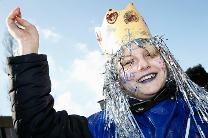 karneval kostüme karnevalskostüme logo koeln klowns narren kostüme karneval umzug prinz