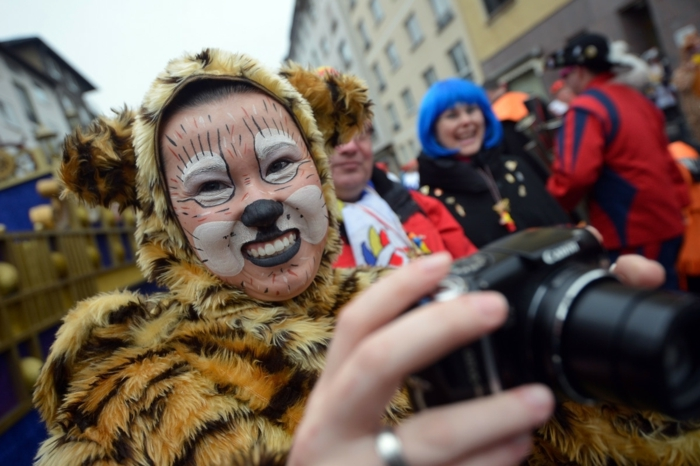 kostüme karnevalskostüme logo koeln klowns narren kostüme karneval umzug tiger