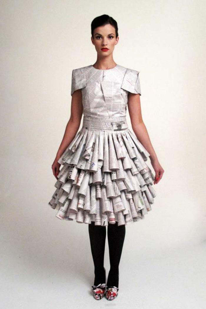 karnevalskostüme diy ideen recycling kleid zeitungen