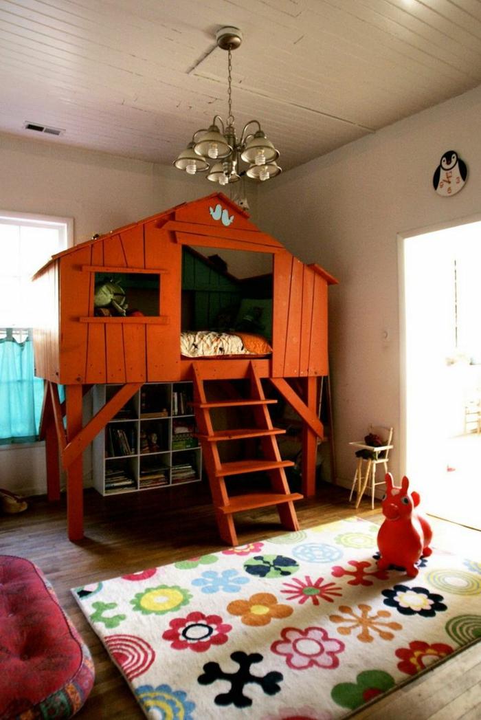 kinderzimmergestaltung bunter teppich kinderspielhaus weiße wände