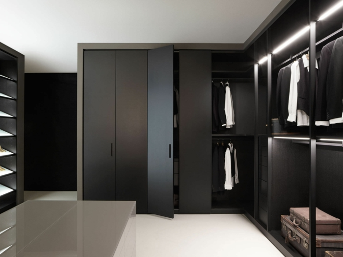 schrankleuchten 30 ideen wie sie mehr licht in den schrank bringen. Black Bedroom Furniture Sets. Home Design Ideas