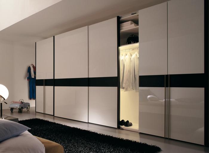 kleiderschrank beleuchtung wohnideen schlafzimmer schwarzer teppich begehbare türe
