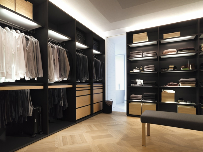 schwarzer kleiderschrank verleiht dem schlafzimmer eine männliche note, Schlafzimmer design