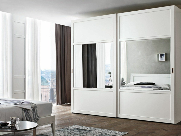 wei er kleiderschrank sorgt f r eine raffinierte zimmererscheinung. Black Bedroom Furniture Sets. Home Design Ideas