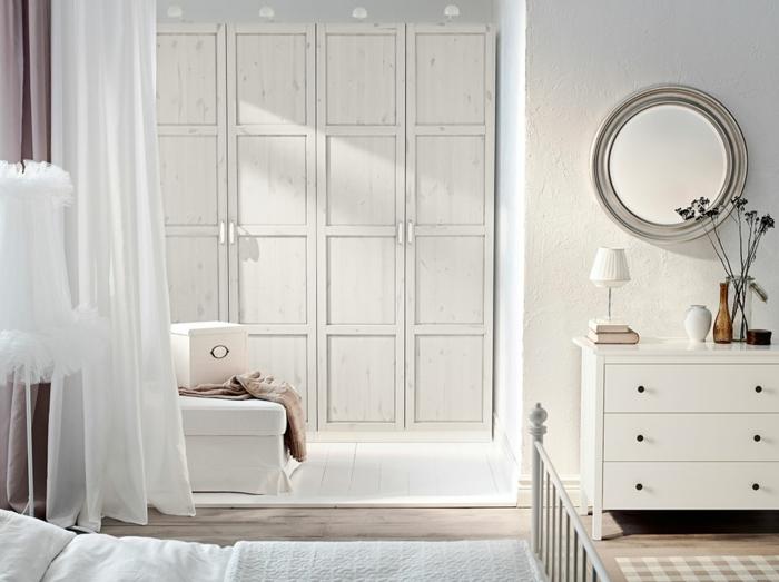 kleiderschrank weiß schlafzimmer luftige gardinen helles interieur