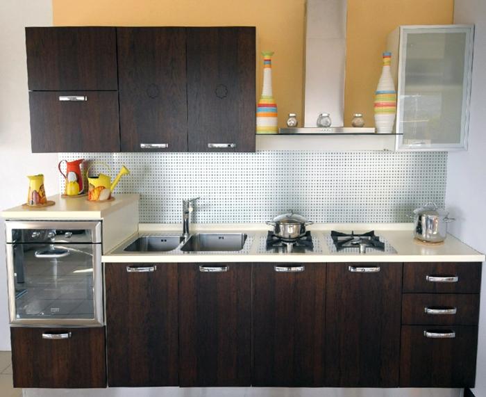 kleine küchen einrichten braune küchenschränke coole küchenrückwand