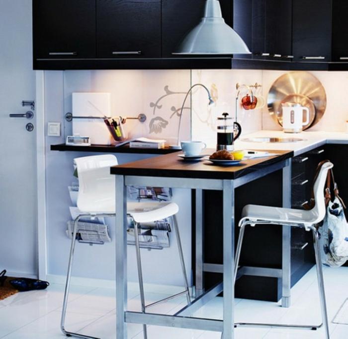 küchendesign kleine küche einrichten funktionale kücheninsel weißer boden