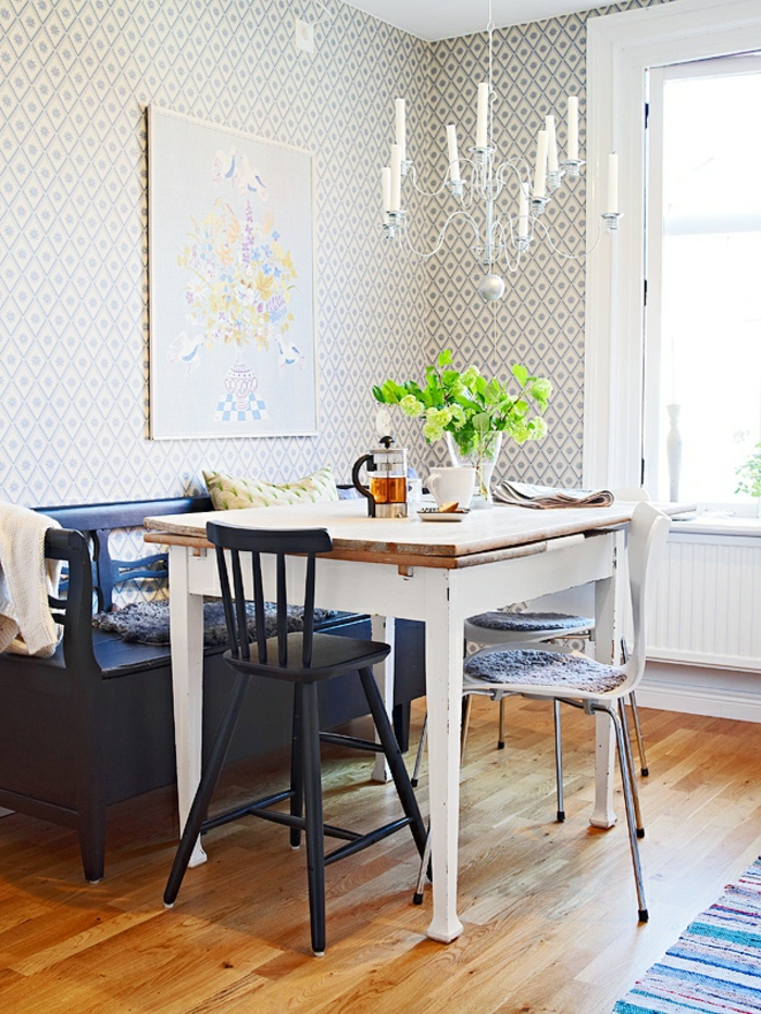küchendesign kleine küche einrichten streifenteppichläufer essbereich gestalten