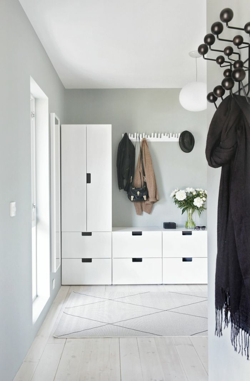 kreative Wandgestaltung Flur Flurmöbel Garderobe