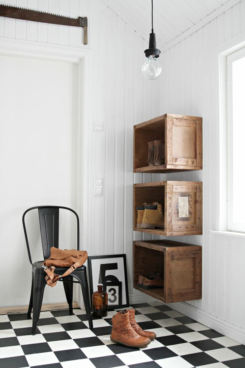 kreative Wandgestaltung Flur Flurmöbel einfache Holzkisten