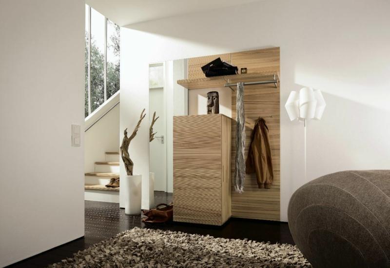 kreative Wandgestaltung Flur Möbel Echtholz