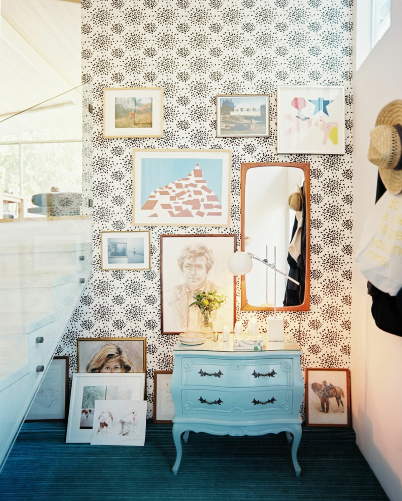 Kreative Wandgestaltung Mit Tapeten : kreative Flur-Wandgestaltung mit Tapeten, Kunstwerken und Spiegel