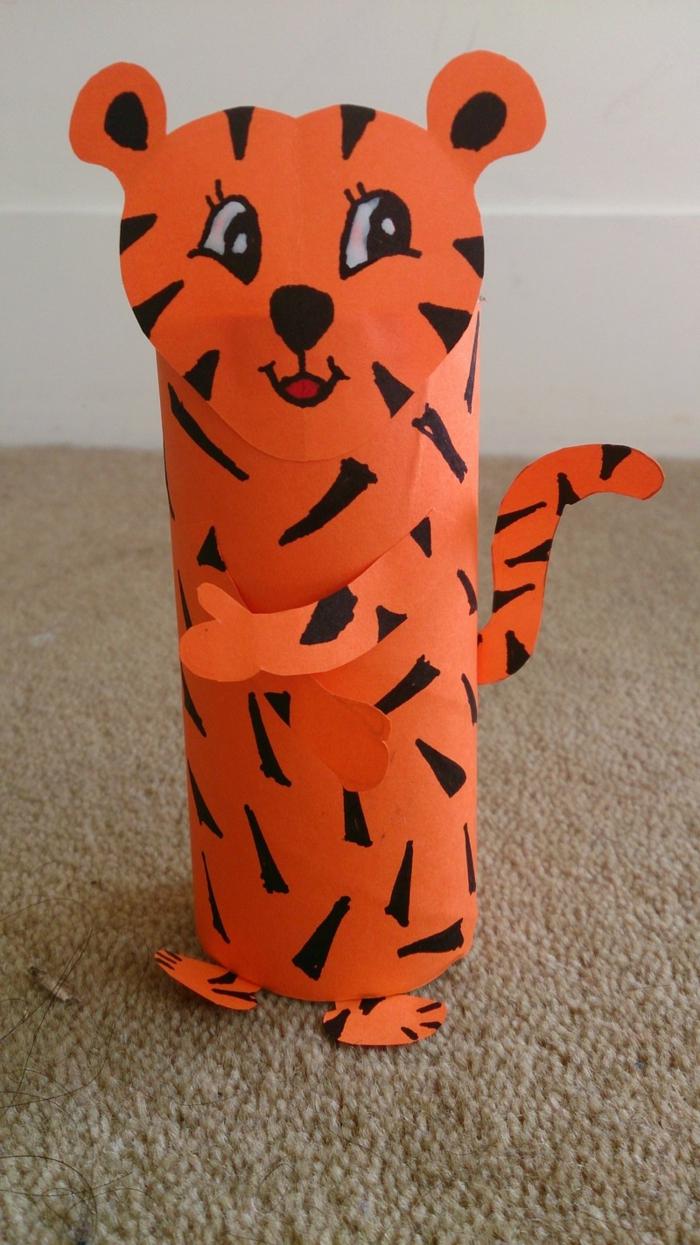 kreatives basteln papierrolle tiger basteln