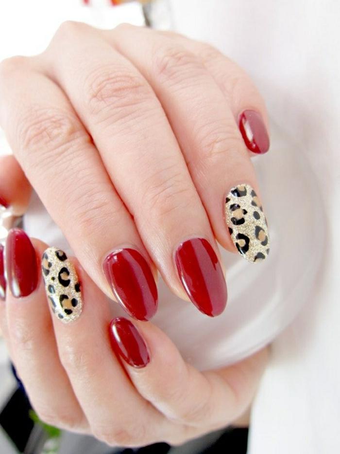 nageldesign rot nagellack leopard schönheit