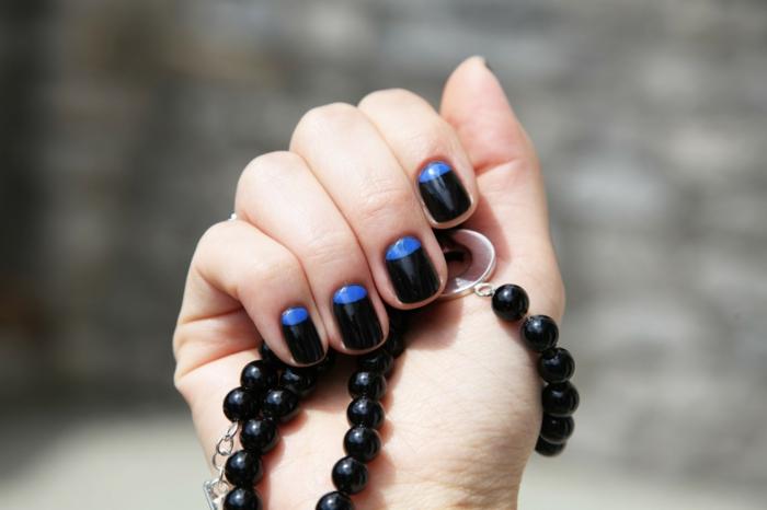 nagellack ideen schwarz blau farbkombination stilvoll