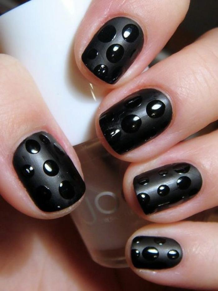 nagellack ideen schwarzer nagellack punkte schönheit lifestyle