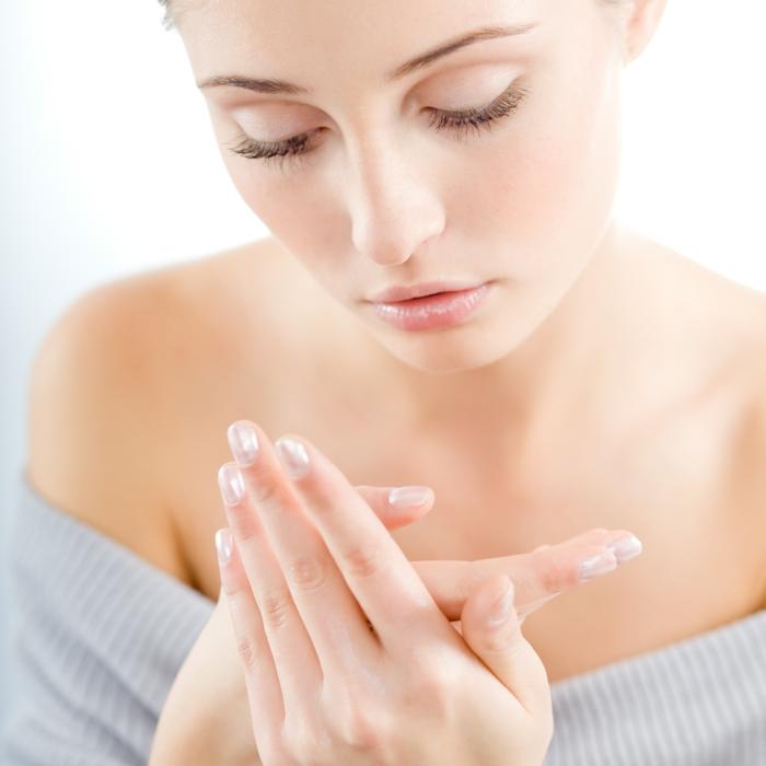 pflege trockene haut hände winter tipps gesundheit