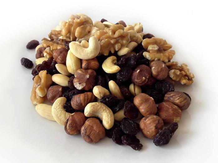 pflege trockene haut hände tipps nüsse essen