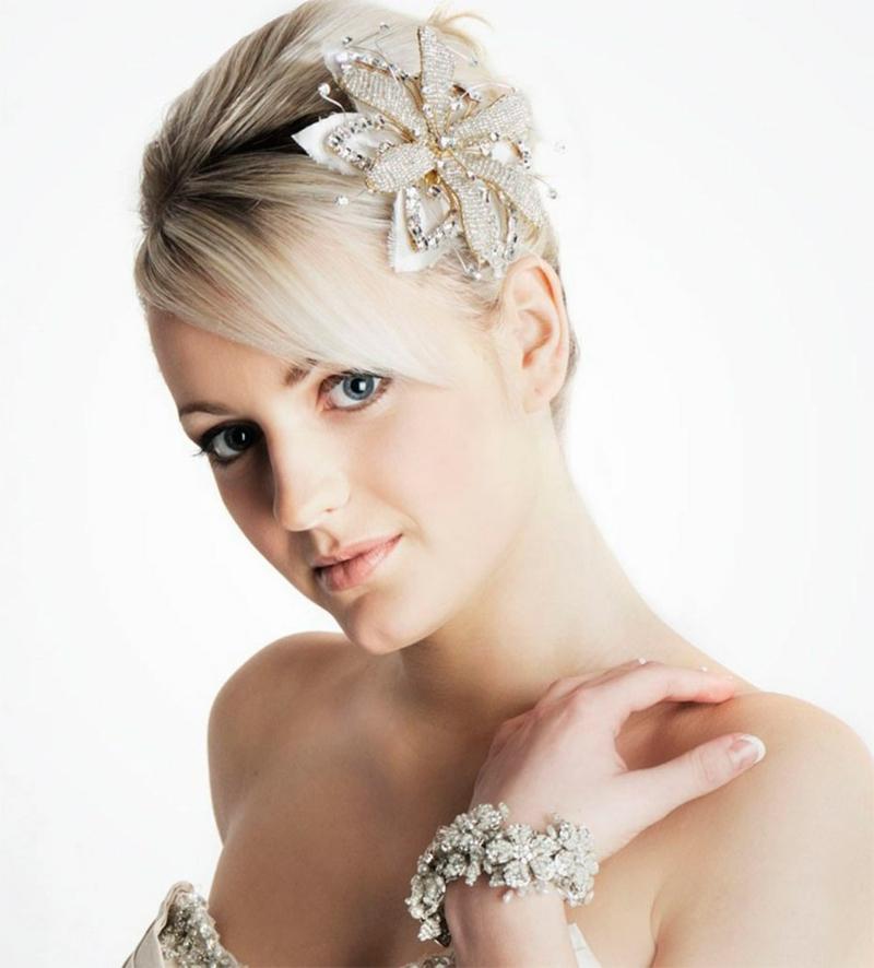 romantischer Haarschmuck Braut Brautfrisur kurze Haare