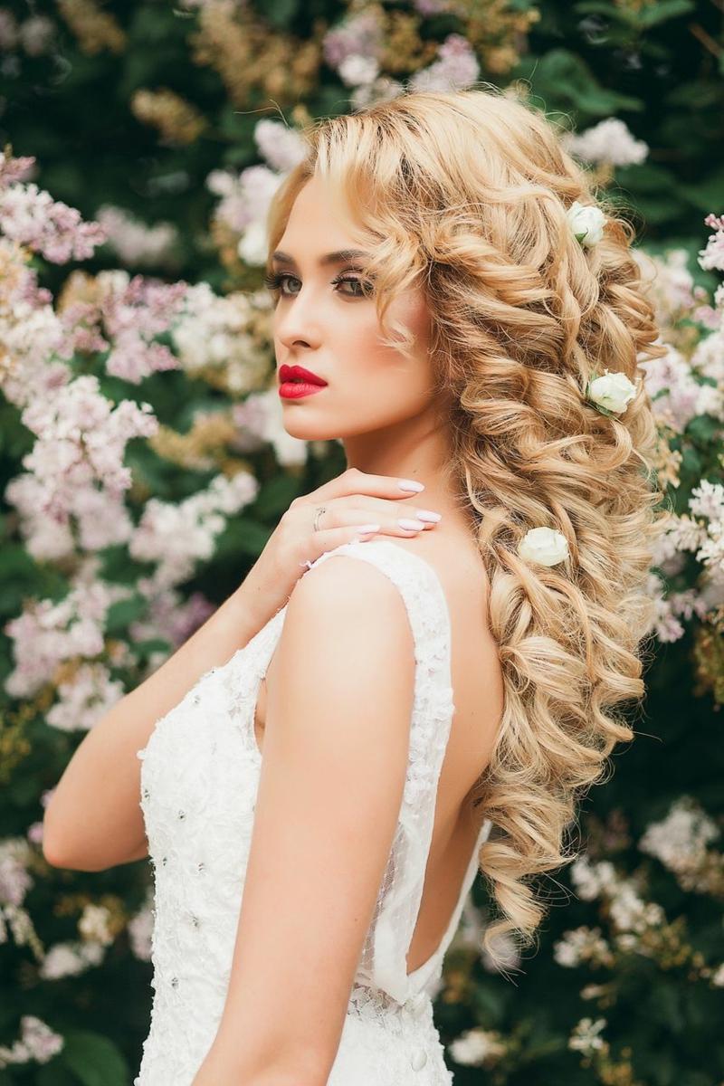 romantischer Haarschmuck Braut echte Blumen in den Haaren