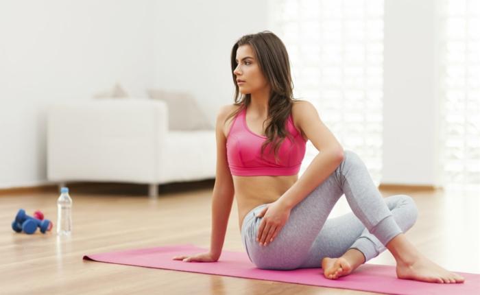 schnell und gesund abnehmen tipps tricks yoga sport treiben