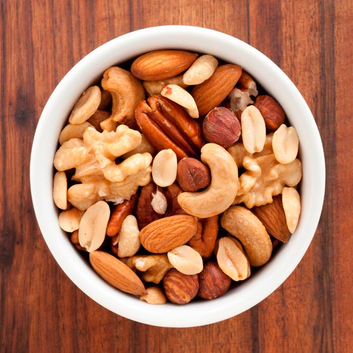 schnelles gesundes essen kleiner hunger nüsse essen