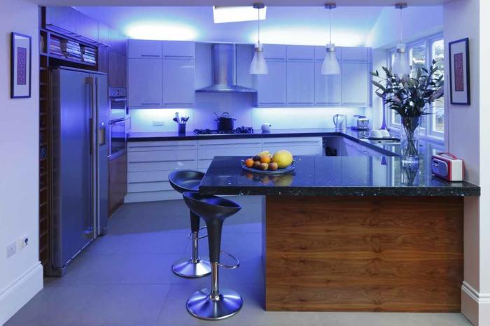 schrankleuchten küche küchenschränke led leuchten kücheninsel bodenfliesen