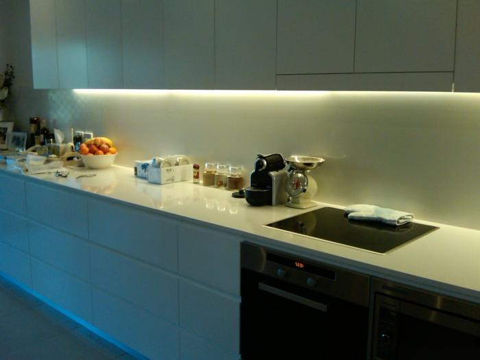 schrankleuchten küche unterschrankbeleuchtung led streifen