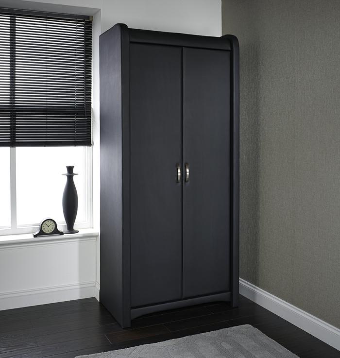 schwarzer kleiderschrank klassisch elegant wohnideen schlafzimmer
