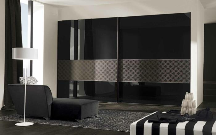 Schwarzer Kleiderschrank Schlafzimmer Einrichten Ideen Relaxsessel Stehlampe