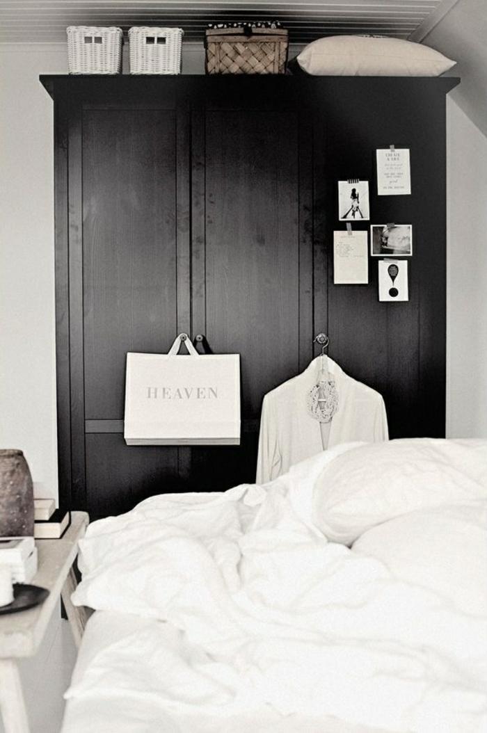 schwarzer kleiderschrank weiße bettwäsche wohnideen schlafzimmer