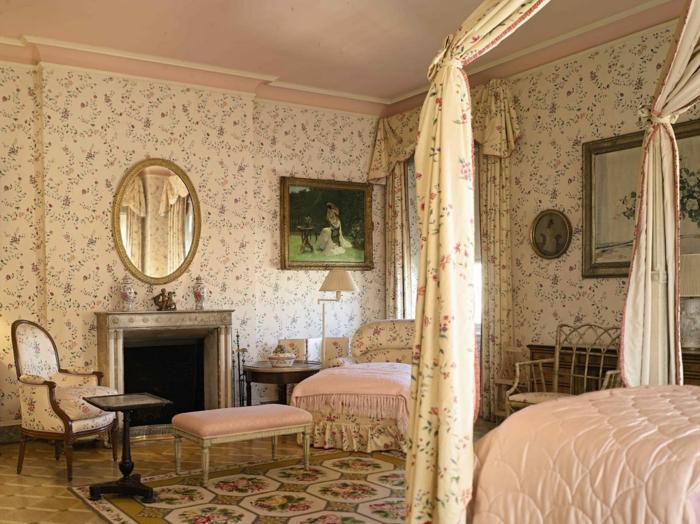 Tapetenmuster Schlafzimmer Vintage Wandtapete Kamin Ovaler Wandspiegel