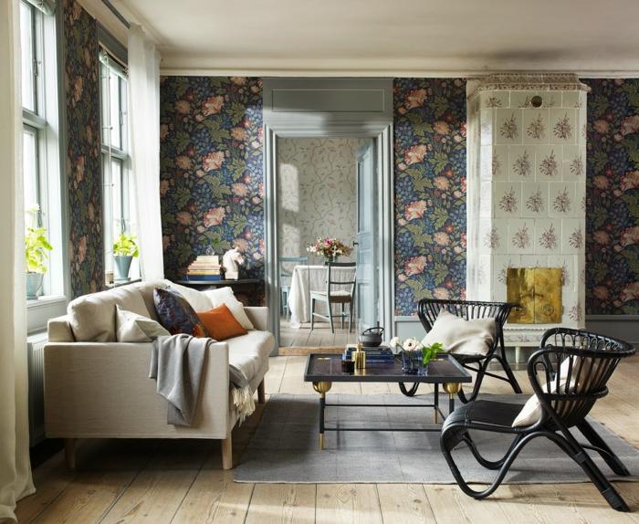 tapetenmuster blumen holzboden wohnzimmer grauer teppich