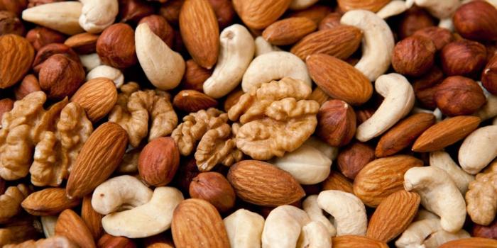 trennkost ernährung essen nüsse walnuss mandeln haselnüsse