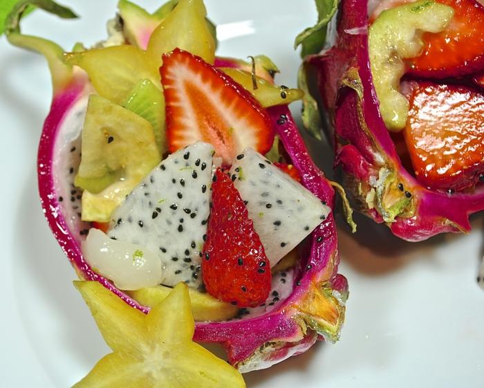 trennkost ernährung frisches obst kombinieren exotische früchte drachenfrucht guave