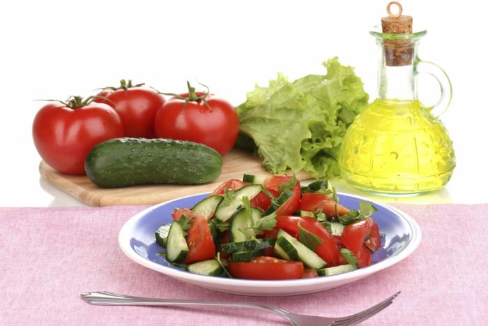 trennkost gemüse bio gurken tomaten eisbergsalat petersilie vitamine gesund