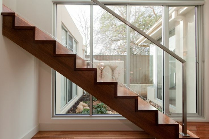 treppengeländer glas handlauf innenarchitektur