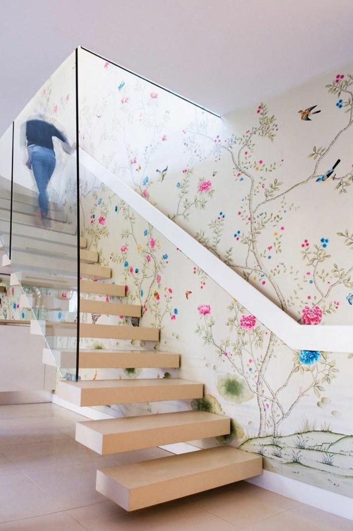 treppenhaus gestalten freistehende treppenstufen holz glasgeländer wandtapete