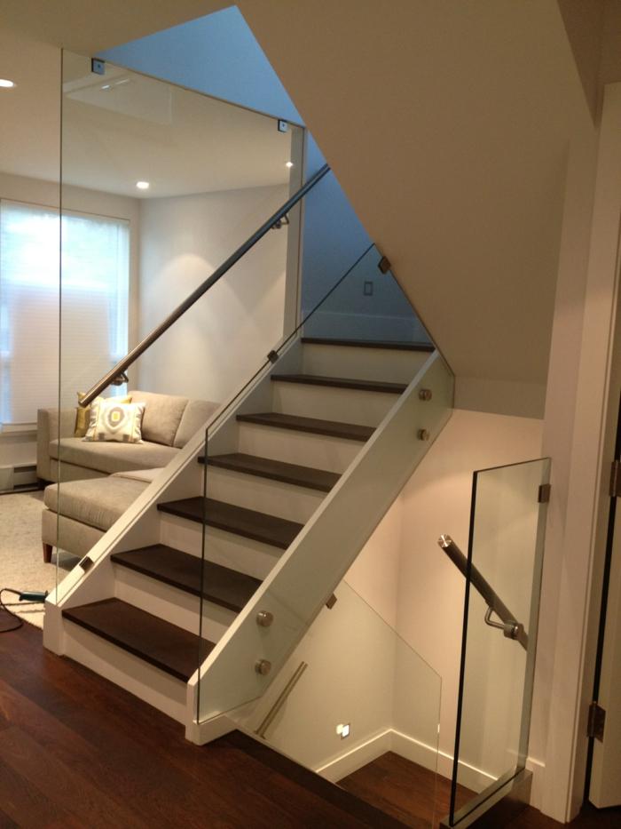 treppenhaus gestalten geländer aus glas stilvoll offener wohnplan