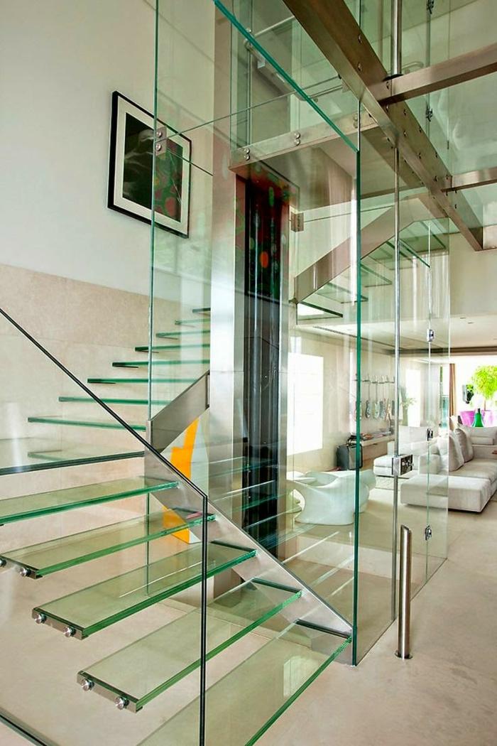 treppenhaus gestalten gläserne treppe freistehende treppenstufen