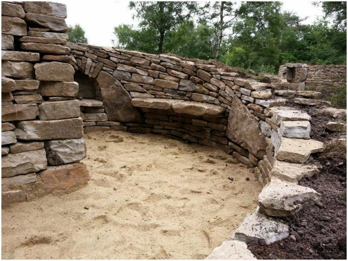 trockenmauer natursteine mauerwerk mauerer haus arkaden regale