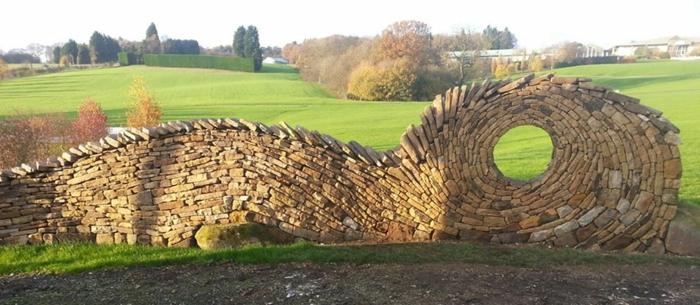 trockenmauer natursteine mauerwerk mauerer kunstwerk gartenzaun