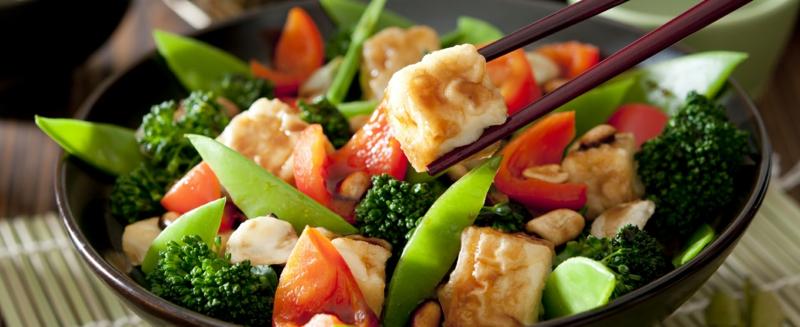 vegane Ernährung gesund Salate und vegane Gerichte